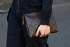 Το Brexit έριξε την τιμή των Louis Vuitton