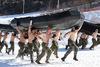 Αμερικανοί και Νοτιοκορεάτες πεζοναύτες κάνουν ασκήσεις σε πολικές θερμοκρασίες (pics)