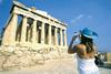 Περισσότεροι οι τουρίστες αλλά λιγότερα τα έσοδα το 2016