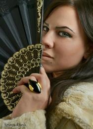 Η 23χρονη φοιτήτρια Νάσια Στεφανίδη είναι η Βασίλισσα του Πατρινού Καρναβαλιού 2015! (pics)