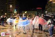 Πάτρα: Oλοκληρώθηκε η νυχτερινή ποραδάτη - 30.000 καρναβαλιστές ξεχύθηκαν στους δρόμους! (pics)