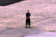 Πυροσβέστης κάνει πρόταση γάμου στην αγαπημένη του, πιλότο ελικοπτέρου (video)