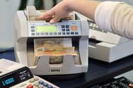 Συναγερμός στις τράπεζες από τη «φυγή» 2,5 δισ. ευρώ