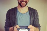 Καφές, κινητό και γρήγορη πληκτρολόγηση σε ένα iPhone (video)