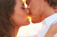 Ο τρόπος που φιλάει ένας άνδρας ανάλογα με το ζώδιο του