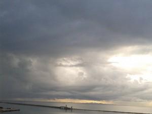 Πάτρα: Λίγο πριν τη βροχή, στο βάθος του ορίζοντα, έρχεται η άνοιξη! (pic)