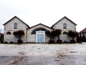 Πάτρα: Κέντρο υποδοχής και προσωρινής φιλοξενίας προσφύγων το πάρκινγκ στα Παλαιά Σφαγεία