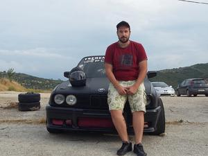 Αυτός είναι ο 18χρονος Πατρινός οδηγός που κάνει drift και κόβει την ανάσα! (pics+vids)