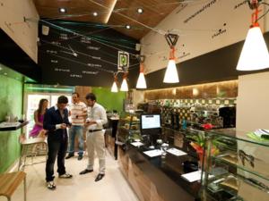 Ενοικιάζεται καφέ - αναψυκτήριο στο κέντρο της Πάτρας! (pics)