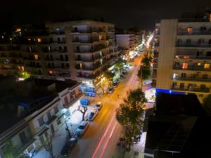 Πάτρα - Η κίνηση στην Έλληνος Στρατιώτου μέσα από ένα timelapse video!
