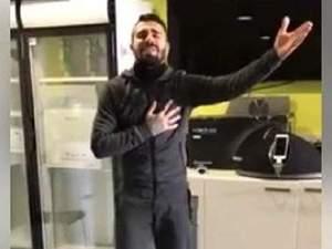 Ο Πάολο Μασάδο τραγουδάει... Βέρτη στο Facebook (video)