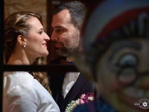 Γάμος αλά… Χριστούγεννα στην Πάτρα, με φόντο το κουκλίστικο χωριό της πλατείας Γεωργίου! (pics)