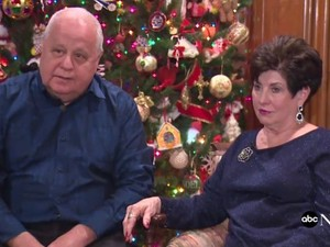 Ζευγάρι ενώθηκε με τα δεσμά του γάμου έπειτα από 41 χρόνια (video)