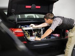 Η BMW ετοιμάζεται για την κυκλοφορία του πρώτου αυτόνομου οχήματος της (pics)