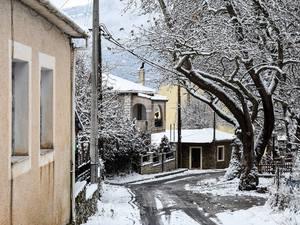 Ο χιονιάς έκανε τα Καλάβρυτα ακόμα πιο παραμυθένια - Υπέροχες εικόνες
