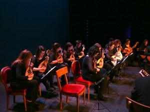 Πάτρα: Καταχειροκροτήθηκε η Ορχήστρα Νυκτών Εγχόρδων «Θανάσης Τσιπινάκης» στο θέατρο «Απόλλων» (pics)