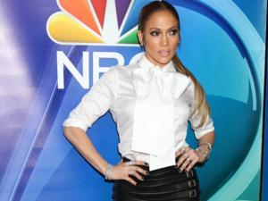 Το καυτό μίνι της Jennifer Lopez (pics)