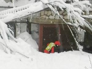 Στους 23 οι αγνοούμενοι στο ξενοδοχείο Rigopiano στην Ιταλία