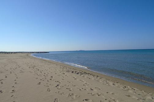 Αχαΐα: Μακριά από τον κόσμο, στη θάλασσα και το φθινόπωρο (pics)