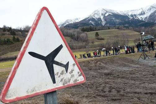Germanwings - Ο συγκυβερνήτης έριξε συνειδητά το αεροπλάνο!