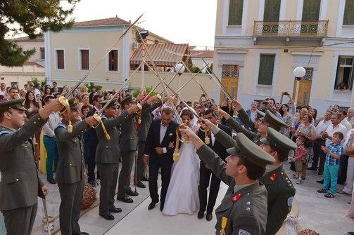 Ένας παραμυθένιος στρατιωτικός γάμος στην Πάτρα!