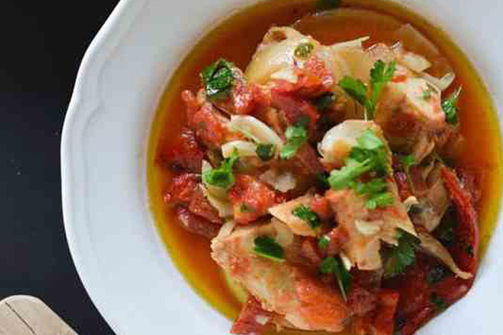 Φτιάξτε μπακαλιάρο κατσαρόλας για ένα γευστικό γεύμα