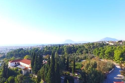 Drone στο Γηροκομειό της Πάτρας: Μια βόλτα σε μια συνοικία - εξοχή (video)