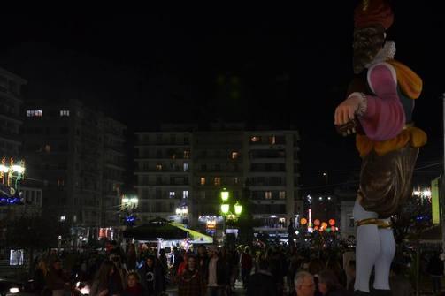 «Το Πατρινό Καρναβάλι μετατράπηκε σε ένα τριήμερο υπαίθριο φοιτητικό πάρτι»!