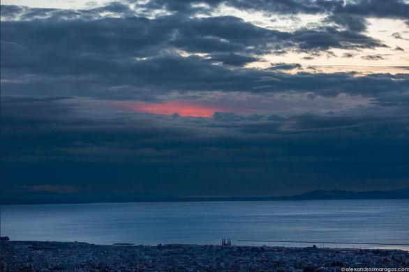 Κεραυνοί, ηλιοβασιλέματα, φεγγάρια, θάλασσες και βουνά σε μαγικά «κλικ»