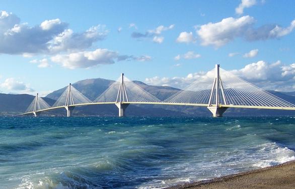 Κυριακάτικη βολτούλα και... φωτογραφικός περίπατος στην Γέφυρα Ρίου - Αντιρρίου