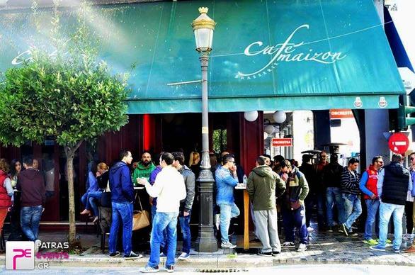 Η Ανάσταση έγινε στα cafe της Πάτρας! (Δείτε φωτο)