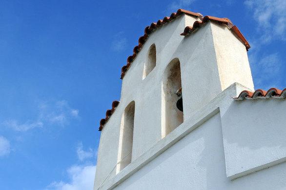 Το πιο όμορφο μέρος για να παντρευτεί κανείς, βρίσκεται 45' από την Πάτρα!