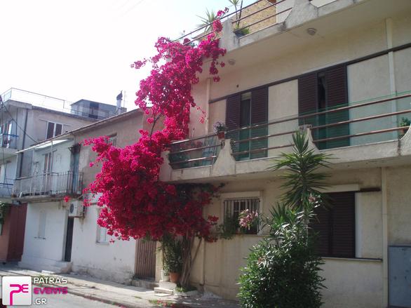Η γραφική γειτονιά της Πάτρας που θυμίζει... Ναύπλιο! (pics)