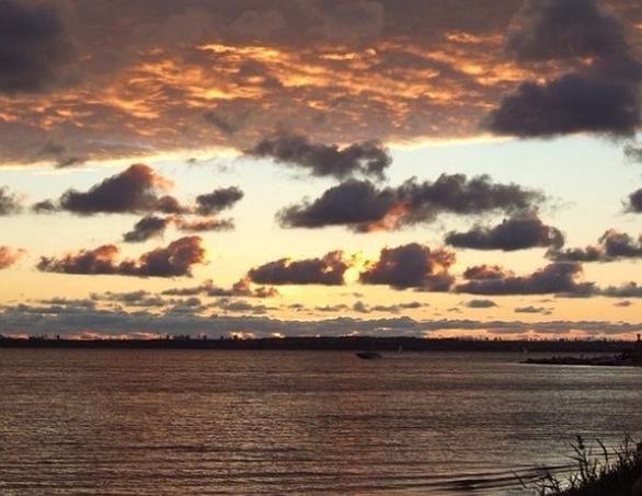 "To ""χρυσό"" ηλιοβασίλεμα της Πάτρας από διαφορετικές οπτικές γωνίες (pics)"
