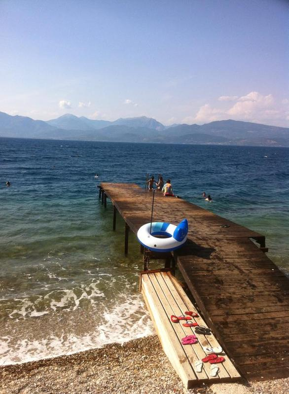 Επιτέλους καλοκαίρι - Πατρινοί εξόρμησαν στις παραλίες και στα beach bars (pics)
