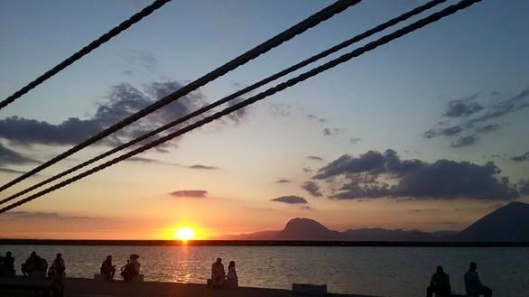 Το ηλιοβασίλεμα της Πάτρας «κεντάει» τις 4 εποχές του χρόνου (pics)