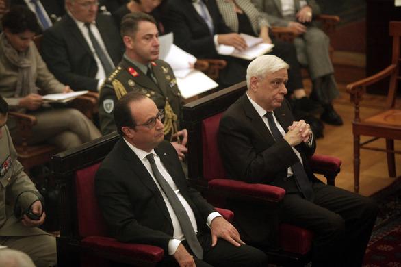 """Φρανσουά Ολάντ: """"Εάν η Ελλάδα έφευγε από το ευρώ, η Ευρώπη θα κατέρρεε"""" (pics)"""