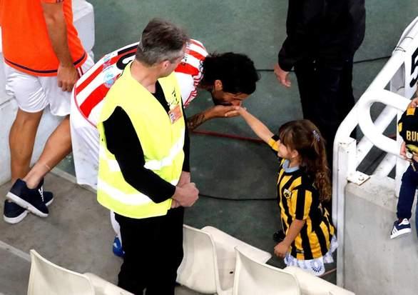 Η φωτογραφία από το Κύπελλο Ελλάδος που έγινε viral