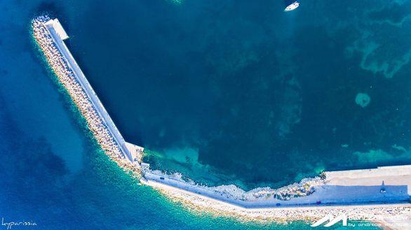 Κυπαρισσία - Μια πόλη της Πελοποννήσου, χτισμένη αμφιθεατρικά, μοιάζει μαγική από ψηλά!