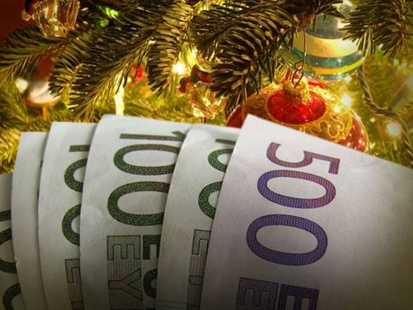 Δώρο Χριστουγέννων: Δείτε πως θα το υπολογίσετε και πότε καταβάλλεται