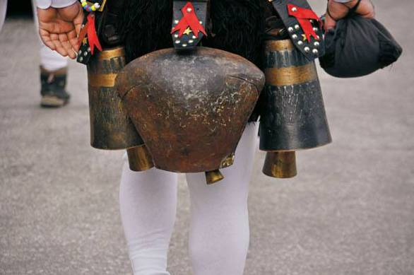 Θεοφάνεια: Δείτε ήθη και έθιμα όλης της Ελλάδας (pics)