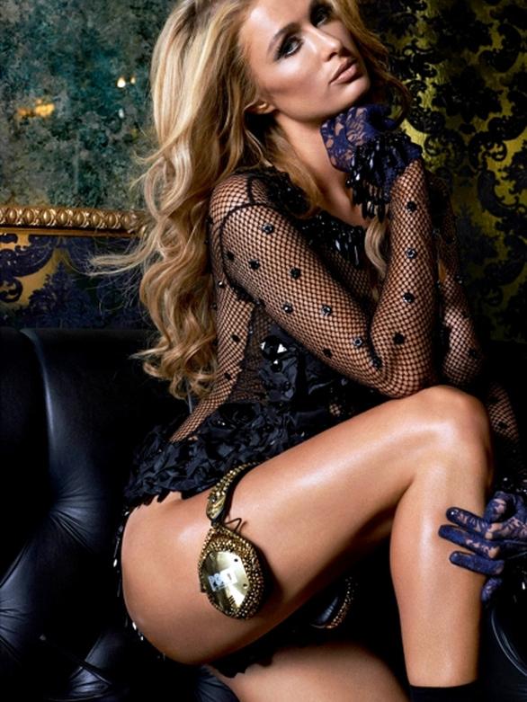 Paris Hilton: Σε άκρως αισθησιακές πόζες, με see-through εσώρουχα (pics)