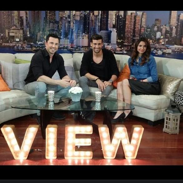 """Στο ελληνοαμερικανικό show """"Mega View"""" η Πατρινή καλλονή Ηλιάνα Παπαγεωργίου!"""
