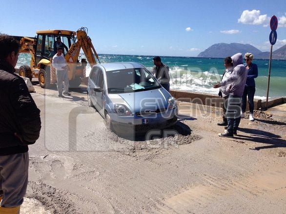 """Πάτρα: """"Εγκαινίασε το νέο δρόμο"""" οδηγός που κόλλησε... στην παραλιακή του Ρίου!"""