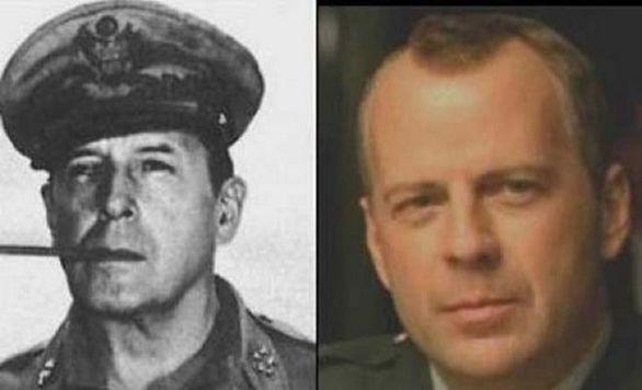Ο Bruce Willis και ο Στρατηγός Douglas McArthur