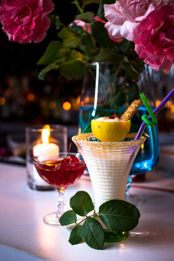 Είναι στην Πάτρα και ξέρεις ότι σε αυτό το μαγαζί  θα απολαύσεις (επιτέλους) καλό cocktail!