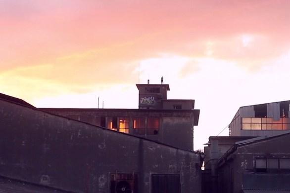 Μοναδικό βίντεο - Παρκούρ στα εγκαταλελειμμένα εργοστάσια της Πάτρας!