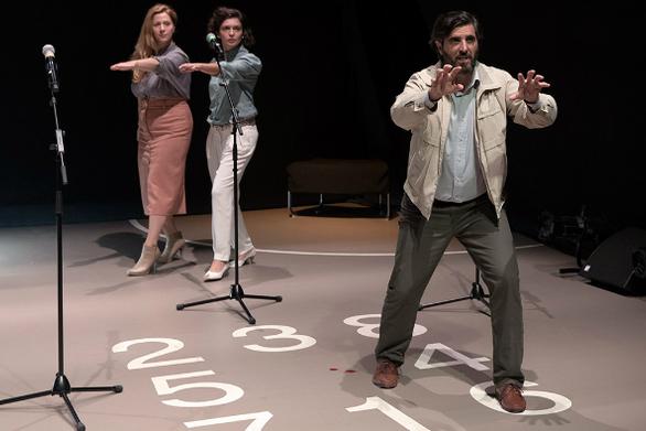 «Αίματα» στο Δημοτικό Θέατρο Απόλλων - Έρχεται η ομάδα Vasistas