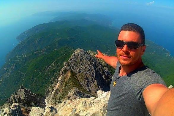 Aπό την Πάτρα στην κορυφή του Άθωνα στα 2033 μ.! (Δείτε video)