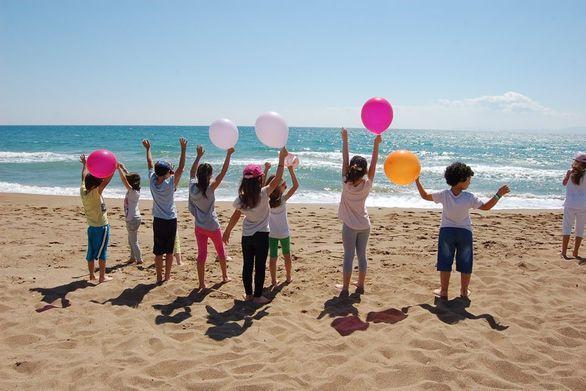Η Πάτρα (και όχι μόνο) γέμισε πολύχρωμα μπαλόνια!
